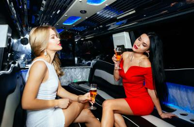4 Compelling Reasons to Rent a Limousine for a Night Out